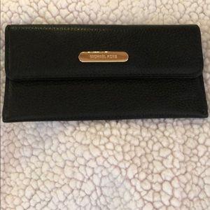 Michael Kors jet set slim wallet